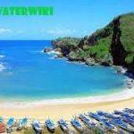 Berenang dan Menyusuri Pantai Ngrenehan Dengan Perahu Tradisional